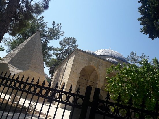 Laal Pasa Cami