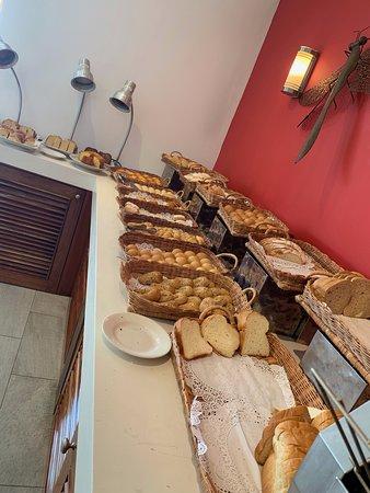 Bread & Danish Counter
