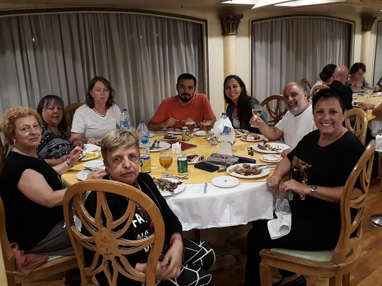 Egypt Nile Cruise: Luxor to Aswan: Cena con Amigos