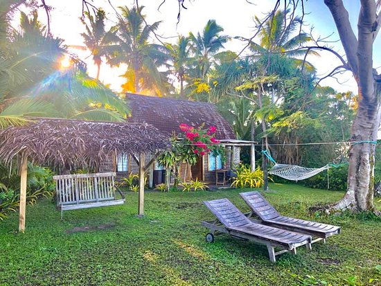 Остров Фафа, Тонга: The Sunset Fale with private hammock, love swing and deck chairs