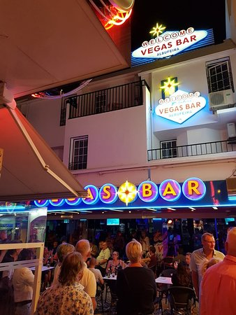 Vegas Bar.