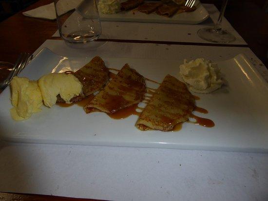 Petites crêpes, au beurre salé et glace