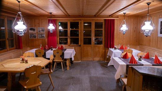 Safien, Sveits: Restaurant des Gasthaus Rathaus