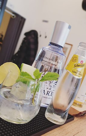 Amigos Coffee & Bar Gin Mare
