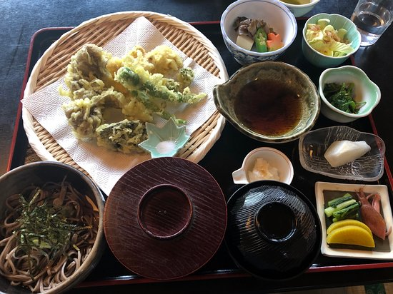 Nice Soba lunch organized by Zenagi's team after our morning tracking.