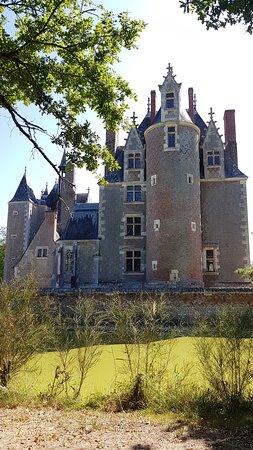 Lassay-sur-Croisne, Frankrike: Le château