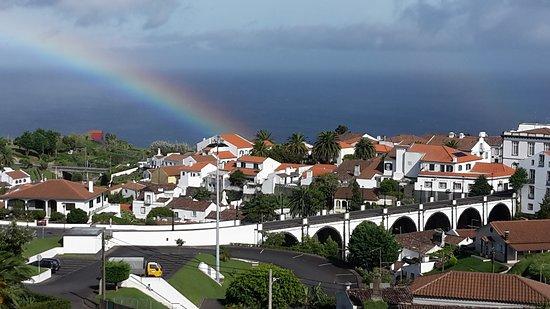 Zimmeraussicht auf Nordeste mit Regenbogen