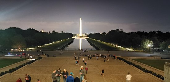 Washington DC Guided Night Tour: From the top of the Lincoln Memorial