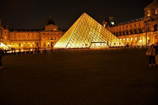 Louvre_Sanju-17