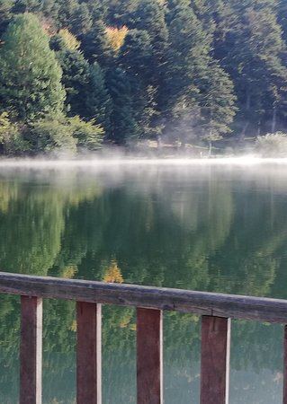 Bolu, Gölcük gölünde sis.