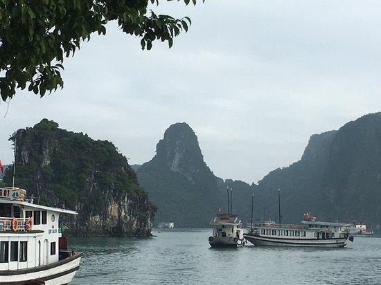 Бухта Халонг, Вьетнам: Halong Bay