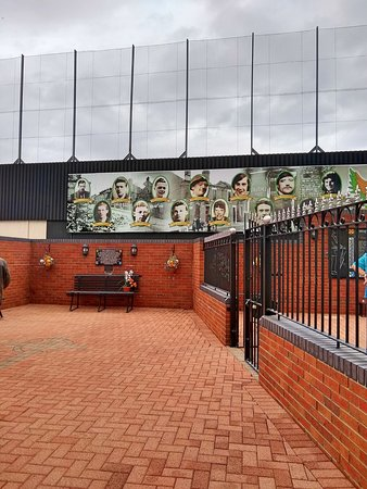 Belfast Cab Tours: Memorial Garden
