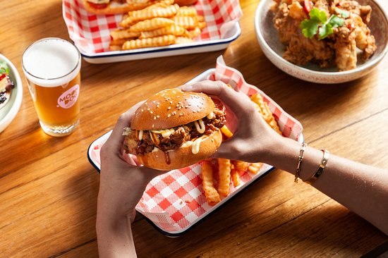 Crispy chicken burger with chips