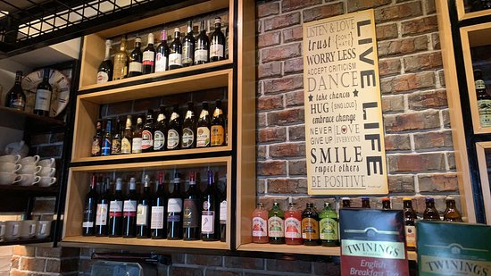 Butuan, Filipinas: Wide array of choices of imported beers and wines