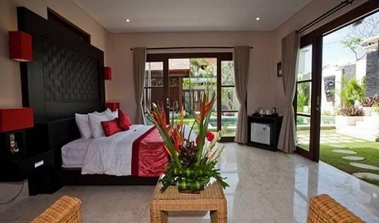 Located at Gang Merpati in Batu Belig, this 6 bedroom luxury holiday villa is perfect for large families or groups of friends who are keen to soak up the tropical sun and immerse in Balinese culture. The villa offers pool, maid services, daily breakfast, fully-equipped kitchen and more. Contact Villa Getaways for more details and booking https://www.villagetaways.com/bali/villa-rentals-batubelig-3426.html