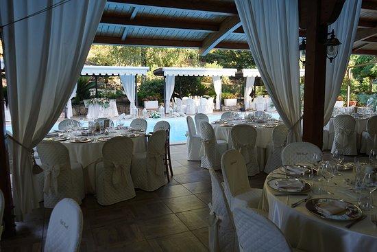 Villa Cinelli e Il Ristorantino: Allestimenti bordo piscina