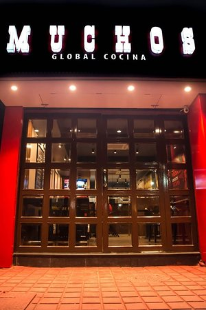 Kolkata District, Intia: Muchos the Tex-Mex and continental Restaurant, Gariahat, Kolkata offers Combo Foods, salad,pasta, Burger,Sandwich, appetizer,pizza,dessert,beverages.