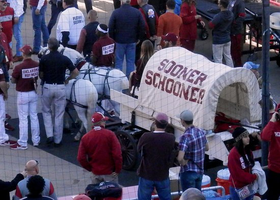 Dallas, TX: Sooner Schooner