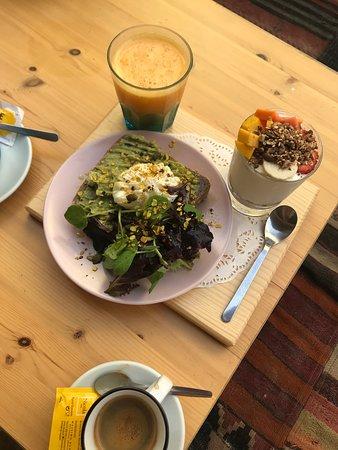 Great breakfast/brunch spot!
