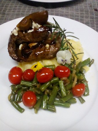 Blue cheese, eland fillet