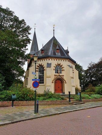Hervormde kerk in Warffum (13e eeuw)