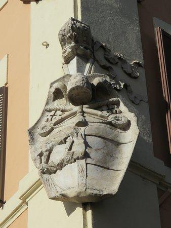 Vanozza Catanei's sheild