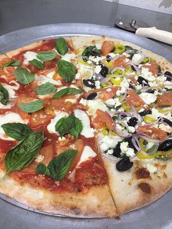 A Veggie and Margherita Veritas mix