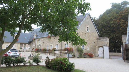 A quiet manor in the coutryside
