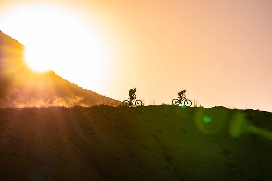 Breckenridge and the surrounding area offers superb mountain biking trails for all abilities and breathtaking road bike touring opportunities.