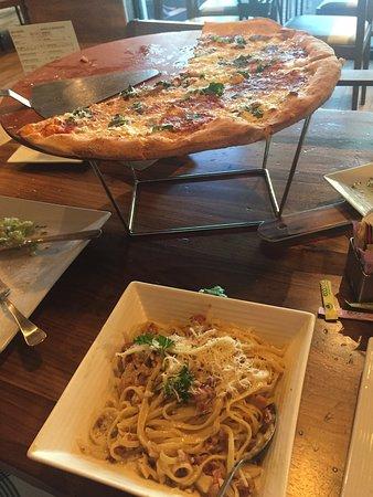 Spaghetti a la Carbonara and marguerita pizza.