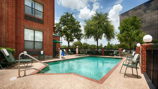 MH ParkSuites EastPlano TX Property OutdoorPool