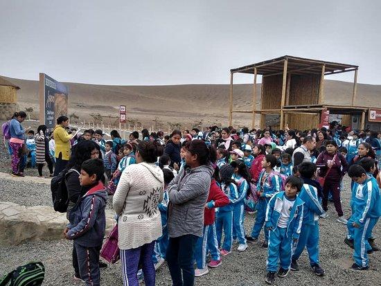 """Barranca, Peru: Por el día mundial del Turismo  visita de la I.E 20522 """"Vidalito"""" de Supe Pueblo."""
