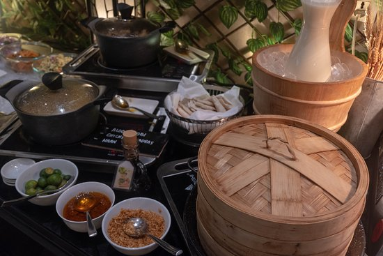 Breakfast Buffet @ The Nostalgia Lounge  Dimsums