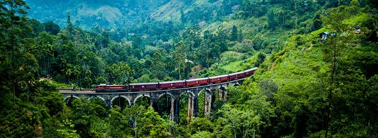 SRI LANKA CAR TOURS - Train Ride ELLA