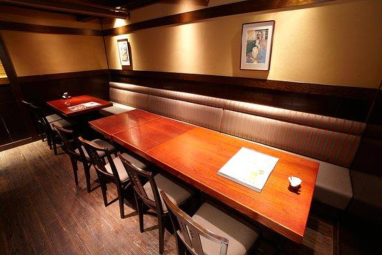 小人数様~大人数様まで対応可能、テーブル席