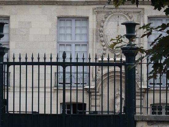 Façade de l'Hôtel de Barral