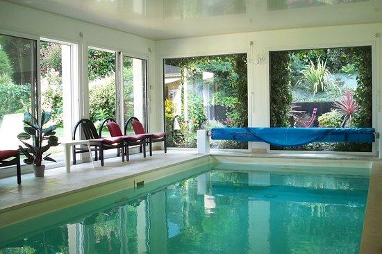 Gestel, France: piscine intérieure