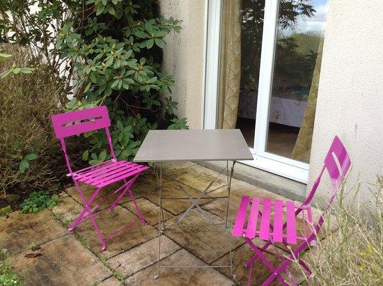 Gestel, France: terrasse chambre rez de jardin