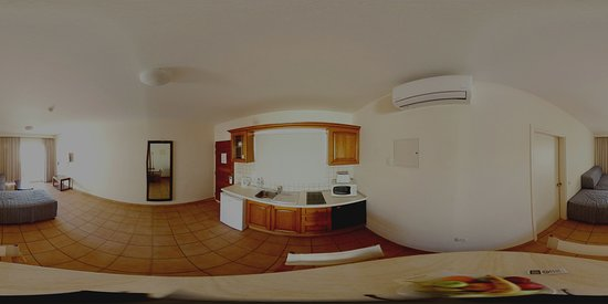 Lounge / Kitchen 2 - Virtual Reality Picture. Use headset
