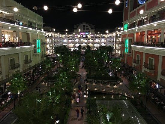 MaviBahce Shopping Center: Yazın püfür püfür alışveriş keyfi