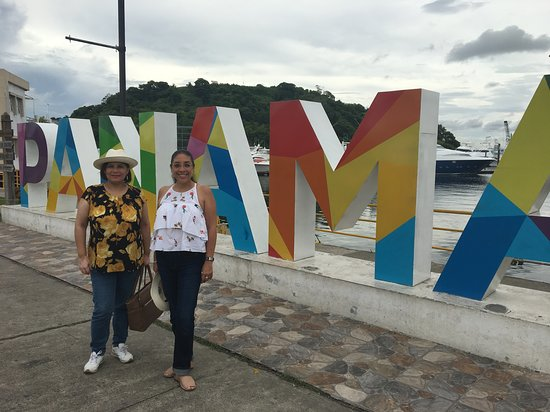 City tour and Panama Canal Visit: the travelers