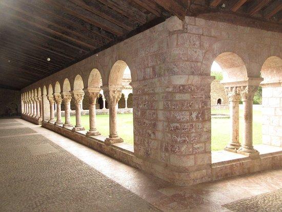 La galerie nord du cloître