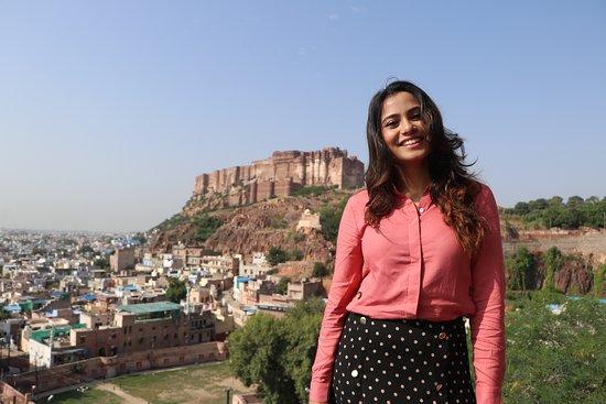 Mehrangarh Fort in background
