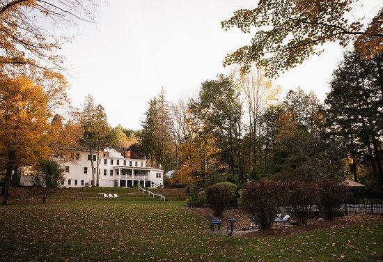 View from the backyard - Изображение The Blue Horse Inn, Woodstock - Tripadvisor