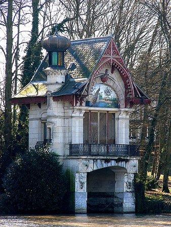 Construit par Ch Garnier