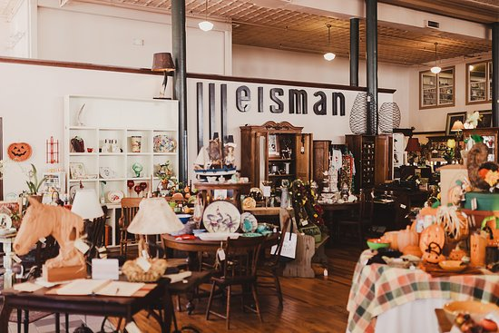 Lots of great shopping in the adjoining Weisman Retail COOP.