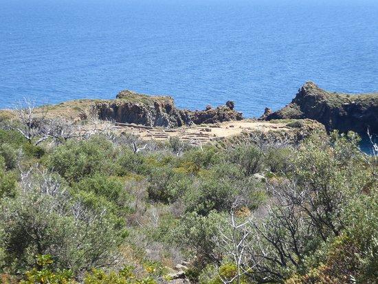 hiking towards the prehistoric settlement