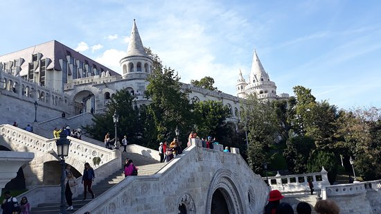 Fisherman's bastion is one of the best known monuments in Budapest, located in the Buda Castle. It is one of the most important tourist attractions due to the unique panorama of Budapest. Must visit!