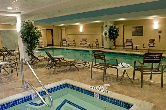 Raynham, MA: Pool