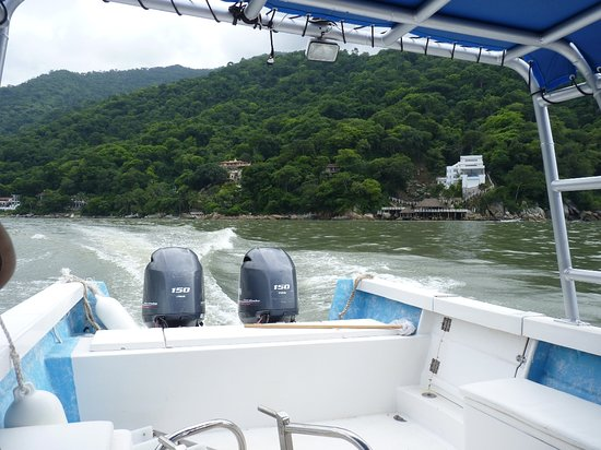 Sierra Madre Jeep Adventure Tour: Fast boat back to the ship.